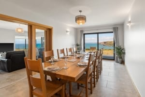 Puffin Cottage dines 11 with sea views